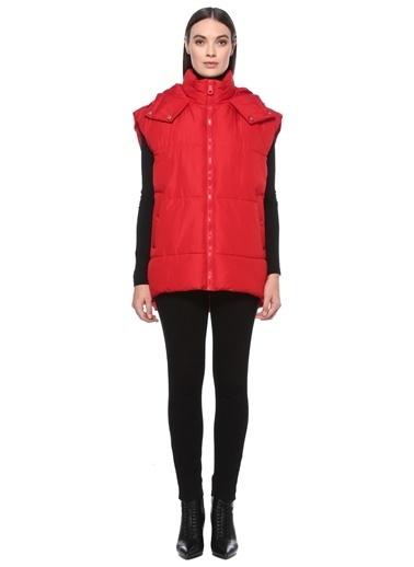 NetWork NetWork 1075981 Kolsuz Ceket Yaka Basic Fit 100% Polyester Fermuarlı Kapüşonlu Kadın Puff Yelek Kırmızı